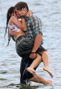 kiss.235367t.jpg
