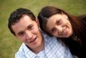 3149985快乐夫妇功能于他们三十多岁,面带微笑,outdoors.jpg