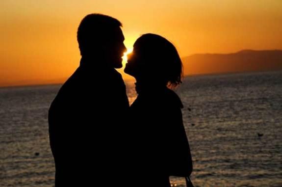 00091217-romantic-couple-02.jpg