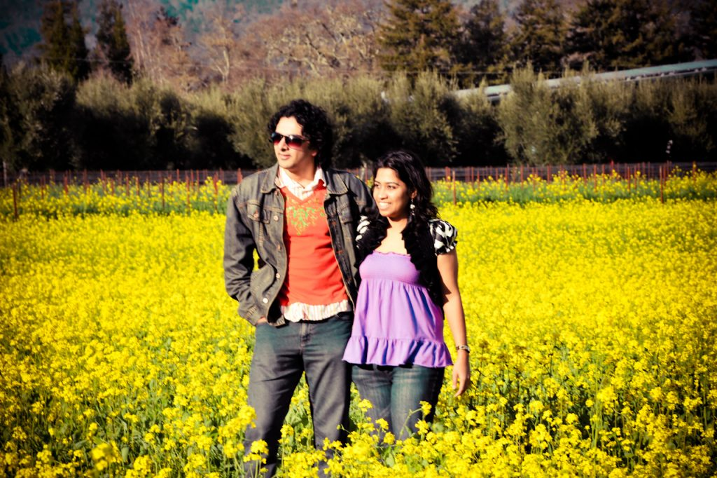 Indian_Couple_in_the_mustard_fields.jpg